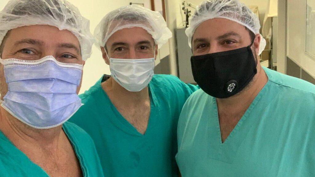 medicos-cirugia-rosariojpg[1]